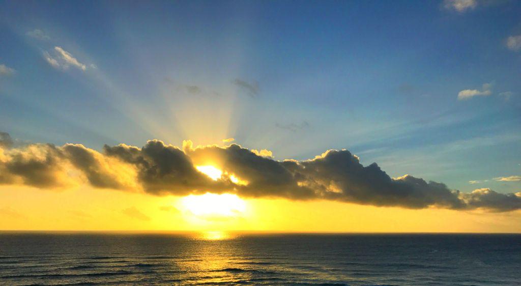 Fiji sunset point